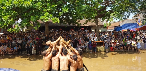 Van village festival to pray for water source