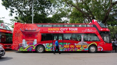 Hanoi officially launches double-decker city tour service