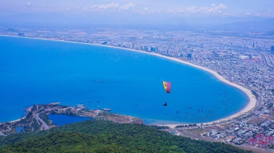 Nearly 100 paragliders to fly at Da Nang competition