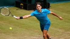 Federer loses No.1 spot as Coric stuns him in Halle final