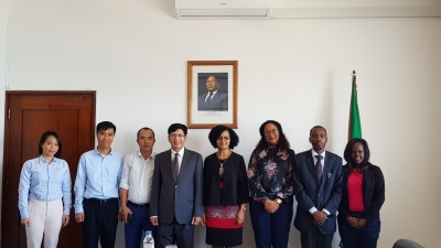 Vietnam, Mozambique promote cooperation in telecommunications and transport