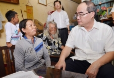 Ho Chi Minh City Party Secretary visits Thu Thiem residents