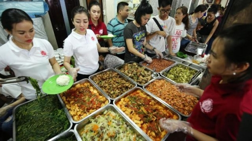 Charity club offers cheap meals for the poor