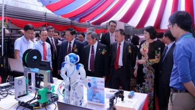 Forum launched to boost Vietnam-Laos cooperation and technology transfer