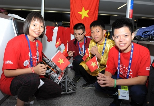 Vietnam attends world robot contest in Mexico