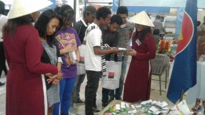 Vietnamese products welcomed at fairs in Mozambique and Madagascar