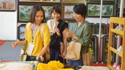 Hanoi Gift Show highlights craft products