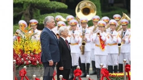 Building on and developing special solidarity and all-around cooperation between Vietnam and Cuba
