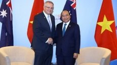 ASEAN Summit: PM Phuc meets with Australian counterpart
