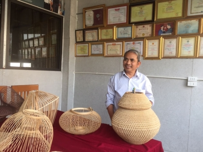 'Makeover' of handicraft product designs