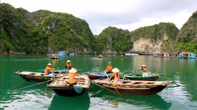 "Exploring serene Lan Ha Bay – the ""second"" Ha Long bay of Vietnam"