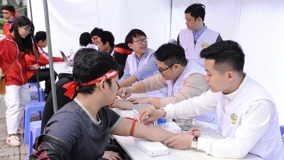 Thousands of youths respond to blood donation campaign in Hanoi