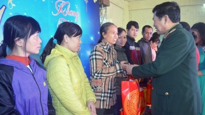 Tet gifts presented to disadvantaged labourers nationwide