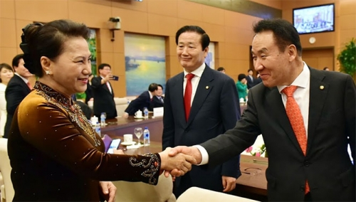 NA Chairwoman receives Chairman of RoK-Vietnam Friendship Parliamentarians' Group
