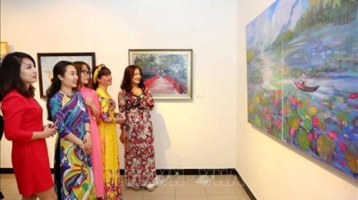 Exhibition opens in Hanoi to greet new spring
