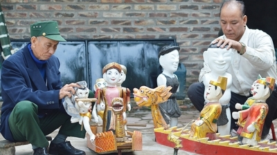 Dong Ngu water puppetry village on its way to revive glory days of the past