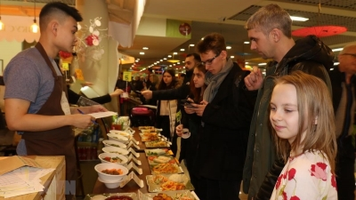 Vietnam boasts street food in Moscow