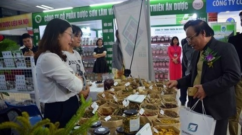 First national traditional medicine fair opens in Hanoi