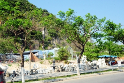 Protecting and promoting values of Ngu Hanh Son landscape site