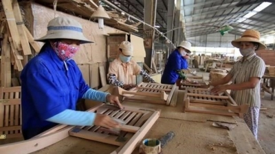 PM calls for sustainable development of wood processing industry