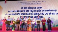 Quang Binh receives UNESCO heritage certificate for 'Bai Choi' singing