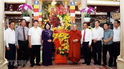 Vice President praises Buddhism for contribution to national construction