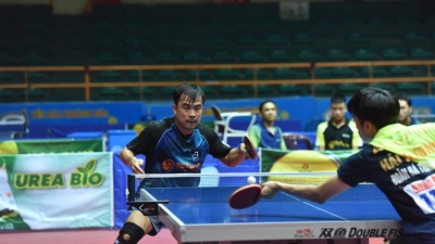 Hanoi T&T 1 and Ho Chi Minh City 1 win men's and women's team championships