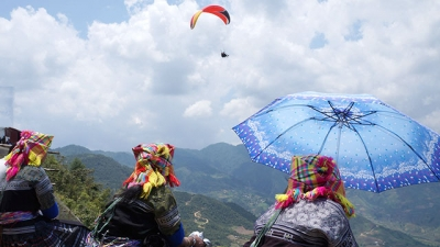 Amazing paragliding in Mu Cang Chai
