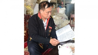 On the outskirts of Hanoi, Dao people are struggling to retain an ancient script