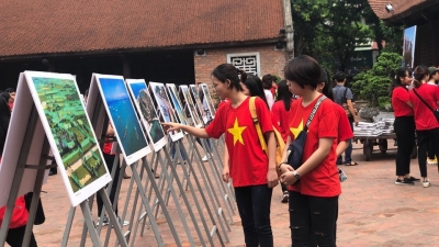 Photo exhibition on Ly Son Island opens