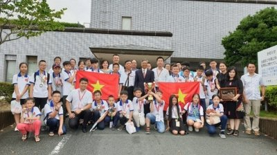 All Vietnamese students to mathematics contest in Japan win prizes