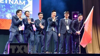 Vietnam win two golds, four silvers at International Mathematics Olympiad