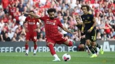 Liverpool keep perfect record, more penalty woe for United
