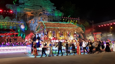 Mid-Autumn Festival lights up Tuyen Quang City