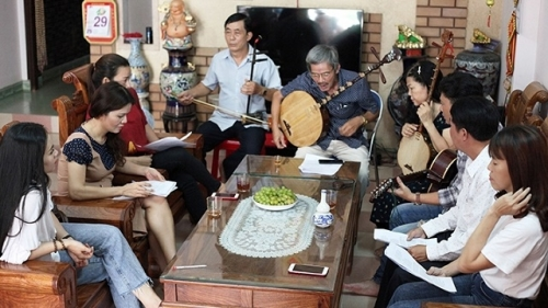 Retaining the vitality of 'Bai Choi' folk singing