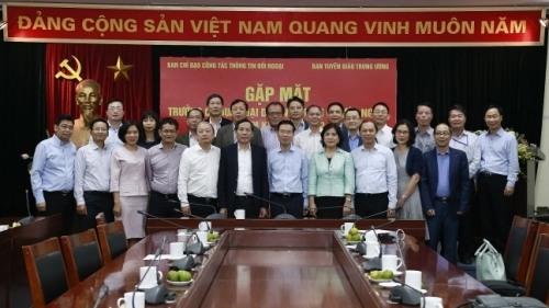 Politburo member identifies tasks for heads of Vietnamese overseas missions