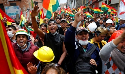Bolivia military says won't 'confront' the people as pressure on Morales builds
