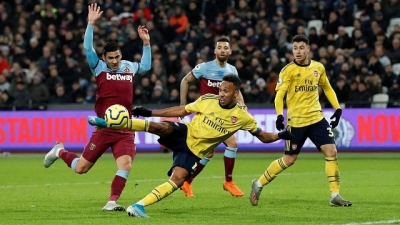 Arsenal stage comeback to sink West Ham and end winless run