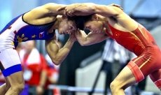 Wrestlers' brilliance helps Vietnam surpass 90-gold mark