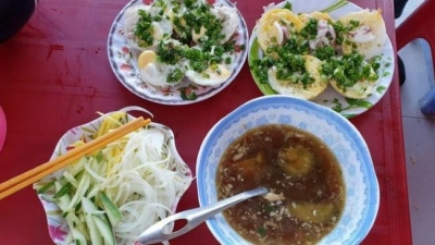Banh can (mini egg pancakes) in Phan Rang - Thap Cham city