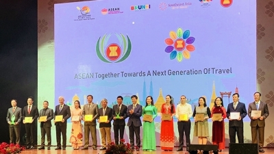 Mong Cai City wins ASEAN Tourism Award 2020