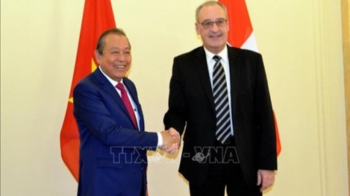 Deputy PM holds talks with Swiss Vice President