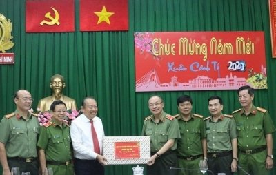 Deputy PM pays Tet visits to armed forces in Ho Chi Minh City