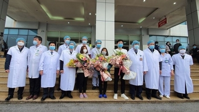 Vietnam to announce six more cases of cured Covid-19
