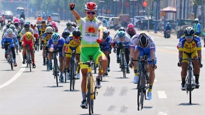Nguyen Thi That wins first stage of Biwase Cycling Cup