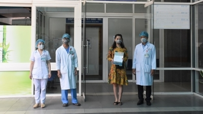 Three COVID-19 patients in Da Nang discharged from hospital