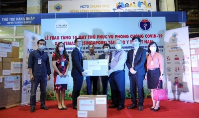 Singapore's Temasek Foundation International presents ventilators to Vietnam