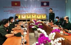 Vietnam sends experts to help Laos fight COVID-19