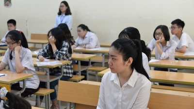 Hanoi students to sit three tests for high school entrance exam