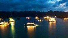 Overnight visitors to Ha Long Bay enjoy 50% discount on entrance fees